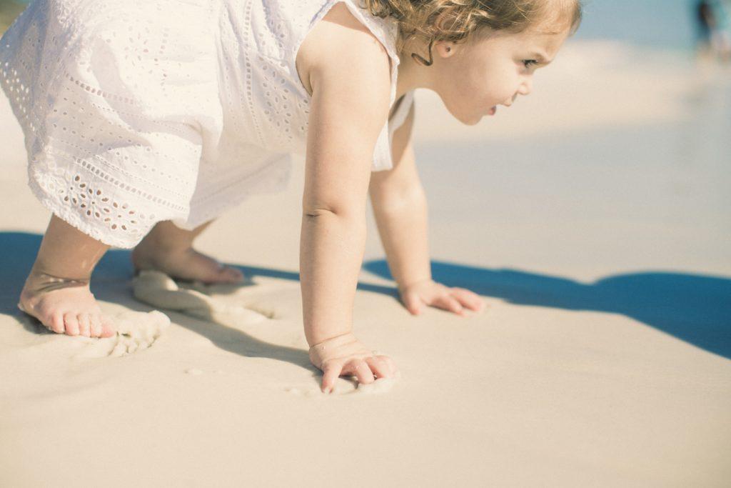 playa con bebés
